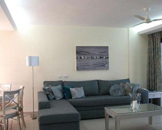 Pearly Grey Ocean Club Apartments & Suites - Callao Salvaje - Wohnzimmer