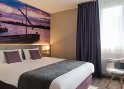 The Originals City, Hôtel La Terrasse, Tours Nord (Inter-Hotel) - Tours - Bedroom