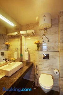 Sterling Kufri - Kufri - Bathroom