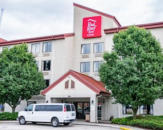 Red Roof Inn & Suites Indianapolis Airport - Indianapolis - Building