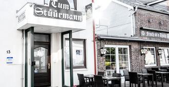 Hotel Restaurant Tum Stüürmann - Büsum - Toà nhà