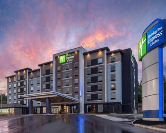 Holiday Inn Express & Suites Moncton - Moncton - Building
