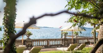Grand Hotel Fasano - Gardone Riviera - Building