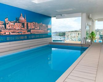 Bayview Hotel By St Hotels - Sliema - Piscina