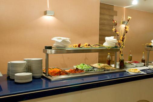 海灣景觀公寓式酒店 - 戈及絡 - 斯利馬 - 自助餐