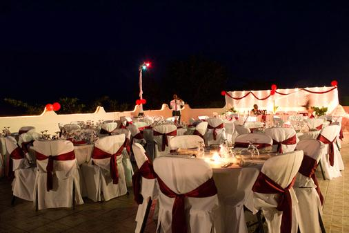 Travellers Beach Resort - Negril - Banquet hall