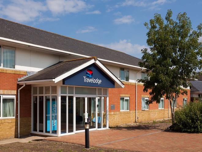 Travelodge Reading M4 Westbound - Reading - Building