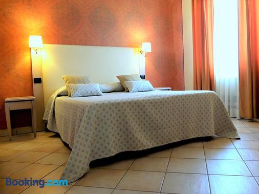 Villa Rosita - Фьюмичино - Спальня