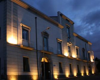 Villa Avellino - Pozzuoli - Gebouw