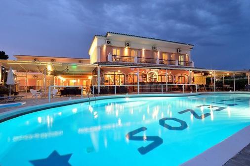 Ξενοδοχείο Μαλτέζος - Κέρκυρα - Πισίνα