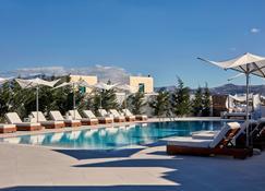 18 Grapes Hotel - Agios Prokopios - Piscina