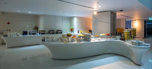Pattaya Discovery Beach Hotel - Pattaya - Buffet