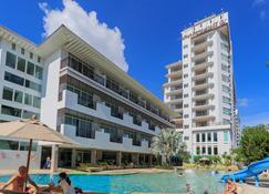 Pattaya Discovery Beach Hotel - Паттайя - Здание