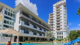 Pattaya Discovery Beach Hotel - Pattaya - Rakennus