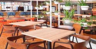 宜必思波爾多墨利阿德克中心酒店 - 波爾多 - 波爾多 - 餐廳