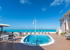 بيس آند بلينتي ريزورت - جورج تاون (الباهاماس) - حوض السباحة