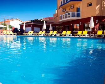 Itaca Fuengirola - Fuengirola - Zwembad