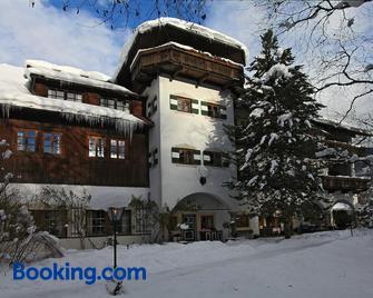 Romantikhotel Almtalhof - Grunau Im Almtal - Building