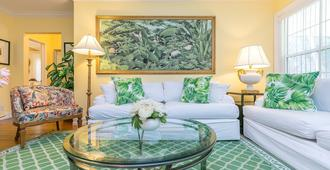 Fabulous Beach Paradise ~ A Floral Oasis Near Beaches And Downtown - Fort Lauderdale - Wohnzimmer