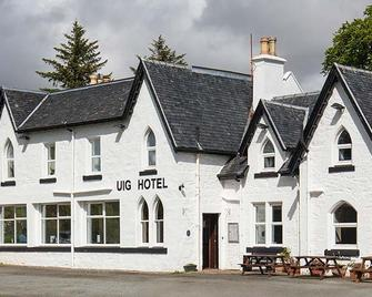 Uig Hotel - Portree - Building