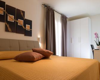 Xenia Hotel - Villasimius - Schlafzimmer
