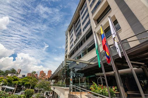 Diez Hotel Categoria Colombia - Эль-Побладо - Здание