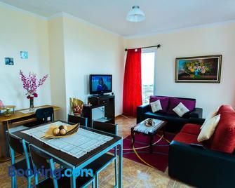 AL - Perola Dourada - Santana (Madeira) - Wohnzimmer
