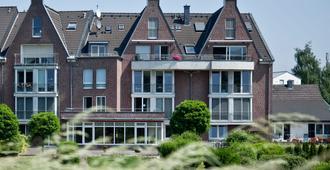 Hotel Chrisma - דיסלדורף - בניין