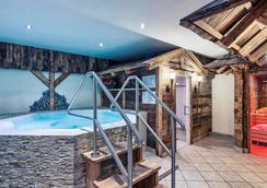 Mercure Sighisoara Binderbubi Hotel & Spa - Σιγκισοάρα - Πισίνα