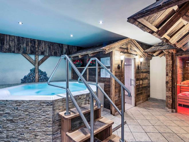 Mercure Sighisoara Binderbubi Hotel & Spa - Sighisoara - Pool
