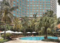 Shangri-La Hotel Surabaya - Surabaya - Building