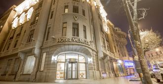 Hotel Venezia By Zeus International - Bucarest - Edificio