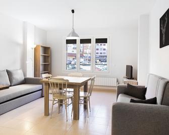 Abelletes Apartments - El Pas de la Casa - Wohnzimmer
