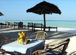 Ndame Beach Lodge - Zanzibar - Beach