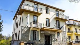 Aquam Albergo - Acqui Terme - Building