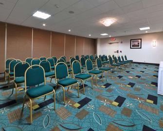 Days Inn by Wyndham Plattsburgh - Plattsburgh - Sala de reuniones