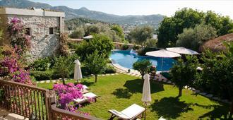 Sandima 37 Suites Hotel - Bodrum - Piscina