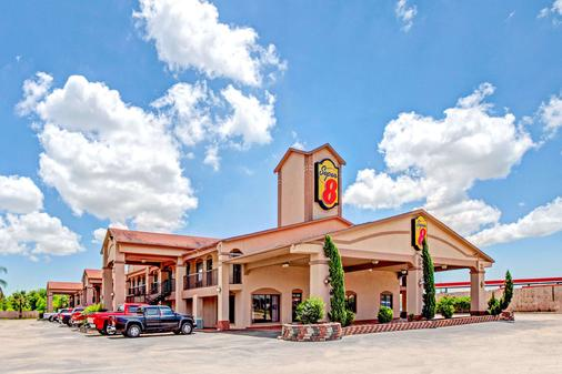 Super 8 by Wyndham Baytown/Mont Belvieu - Baytown - Building