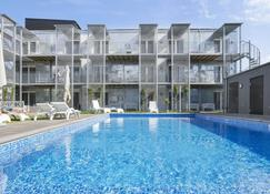 維斯比酒店式公寓 - 維斯比 - 維斯比 - 游泳池