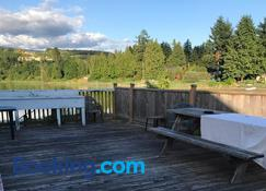 Royal Reach Motel & Marina - Sechelt - Outdoor view