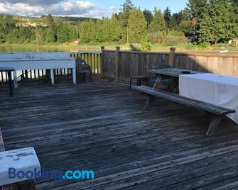 Royal Reach Motel & Marina - Sechelt - Outdoors view