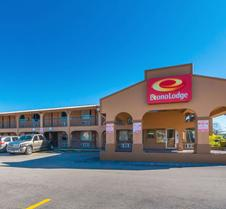 Econo Lodge San Marcos University Area