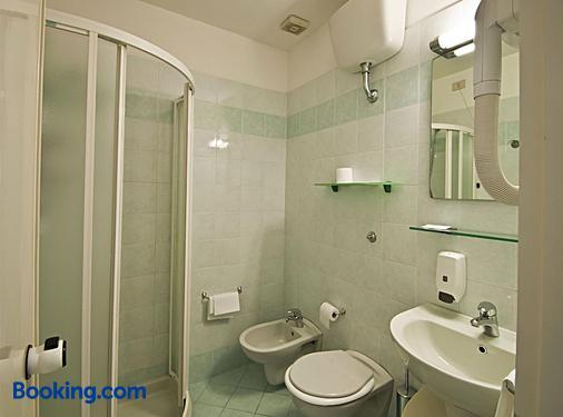 Hotel Versilia - Camaiore - Bathroom