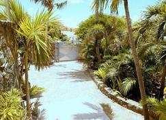 Residence Adam & Eve - Baie-Orientale - Außenansicht