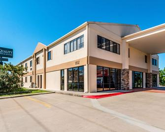 Quality Inn & Suites Round Rock-Austin North - Round Rock - Building