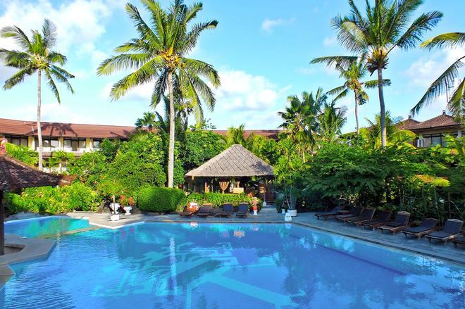 峇里棕櫚灘酒店 - 庫塔 - 庫塔 - 游泳池