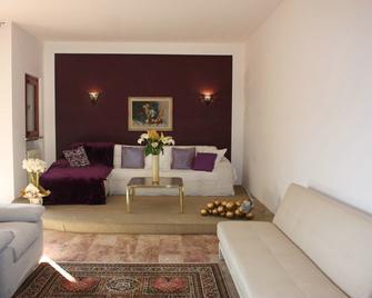 Grappoli Bed and Apartments - Negrar - Living room