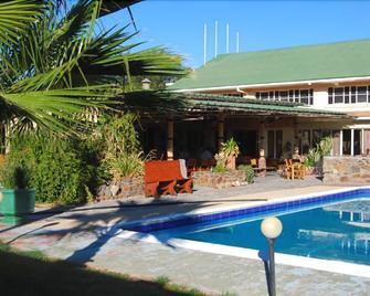 Brandberg Rest Camp - Uis - Pool
