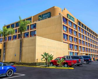 Quality Inn and Suites Montebello - Los Angeles - Montebello - Building