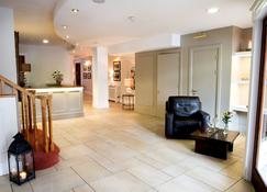 The Gateway Hotel - Swinford - Front desk